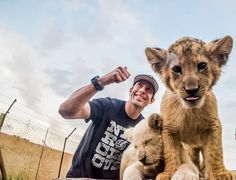 #ThrowbackThursday  @travispastrana with cub lions  #nitrocircus  #lionandsafaripark  #dkexp #dkexpphotography  #wildlife  #nature #thruthelens  #instagood  #instapic  #instadaily  #BigConcerts