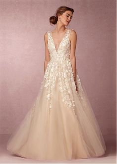 Fabulous Tulle V-neck Neckline A-line Wedding Dresses with 3D Flowers & Lace Appliques