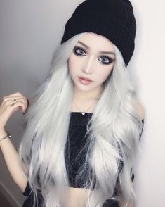 Gothic China Doll Kina Shen Is Definitely Eye Candy - Gallery Goth Beauty, Dark Beauty, Doll Makeup, Hair Makeup, Anime Makeup, Emo Girls, Cute Girls, Makeup Gothic, Lolita Makeup