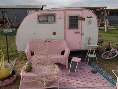 Little pink camper | I have this wicker couch in spring green! I want to live in this little camper! - gypsy18