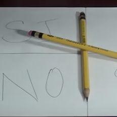 CharlieCharlieChallenge: la seduta spiritica che risponde con la gravità