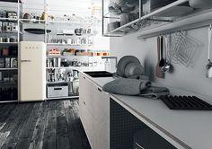 イタリアのバル・クッチーネ社から登場した「メカニカ」は環境に配慮した材料を使うという発想からデザインされた。www.valcucine.it