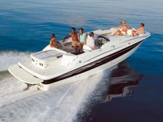 Bayliner deck boat. Best boat for water activities AND fishing :) lookie how easy it is to get in!