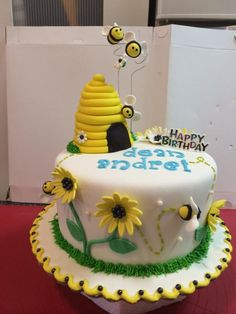 Bee Day Cake - Cake by Phey