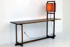 Chris-Lehrecke-walnut-console-with-box-lamp.jpg 640×427 pixel