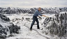 Russia sure looks tiny in Goldeneye: | 34 Behind The Scenes Photos That Will Change The Way You Look At Classic Movies