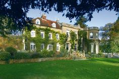 Splendid Manor House in Sonning Eye, Oxfordshire