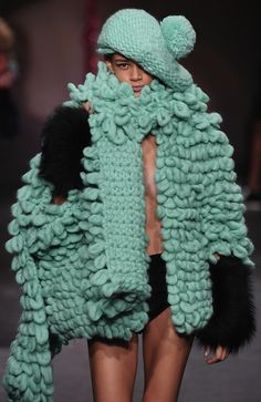 Looking beautifully warm and snuggly in the chunky knits from @WEARESIBLING #lfw