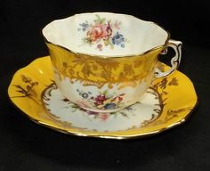 HAMMERSLEY SIGNED PINK ROSE BOUQUET GOLD YELLOW TEXTURE TEA CUP AND SAUCER