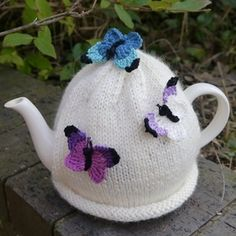 Butterfly Tea Cosy Cream