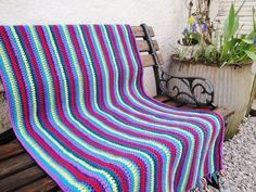 http://forgetmenotsblue.blogspot.co.uk/ Stripy blanket