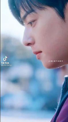 Korean Drama Funny, Korean Drama Quotes, Korean Drama Best, Korean Male Actors, Handsome Korean Actors, True Beauty Quotes, Lindos Videos, Taehyung Abs, Morning Beauty Routine