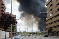 Evacuados por gigantesco incendio al sur de Madrid regresan a sus casas