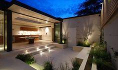 jardín pequeño al estilo minimalista muy bonito