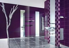 33 Beautiful Purple Bathroom Design Ideas With White Water Closet And Wall Color