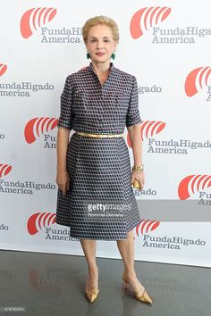Fashion Designer Carolina Herrera attends FundaHigado America Foundation Benefit at The Glasshouses on June 11 2015 in New York City Mature Women Fashion, Over 50 Womens Fashion, Fashion Over 50, Modest Fashion, Fashion Outfits, Fashion Trends, Fashion Weeks, London Fashion, Dress Fashion