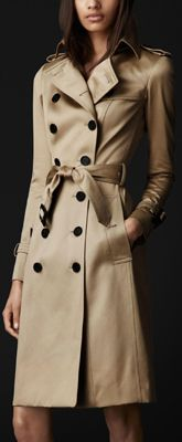 $2k - Tan Burberry Long Cotton Sateen Trench Coat