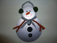 Snowman made out of old cd's. Old Cd Crafts, Snow Crafts, Crafts For Teens, Holiday Crafts, Fun Crafts, Christmas Fun, Christmas Ornaments, Christmas Decorations, Recycled Cds