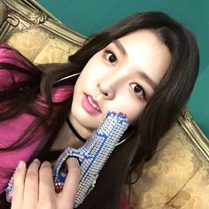 Berry Good, Kpop Girls, Fingerless Gloves, Arm Warmers, Girl Group, Singers, Berries, Actresses, Models