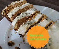 Recept: Gezonde carrotcake met een heerlijke icing frosting van yoghurt. Heel makkelijk te maken en de lekkerste wortelcake die je zal proeven / worteltaart met glazuur