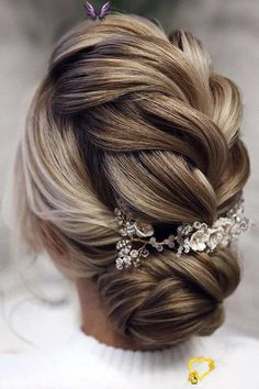 30 Pinterest Wedding Hairstyles For Your Unforgettable Wedding 39 Pinterest Wedding Hairstyles Ideas You Should See ❤ pinterest wedding hairstyles low updo blonde hair braided textured tonyastylist #weddingforward #wedding #bride #weddinghairstyle #pinterestweddinghairstyles<br> If you are interested in trendiest wedding hairstyle for your perfect big day, welcome to check out these pinterest wedding hairstyles. Loose Braid Hairstyles, Loose Braids, Top Hairstyles, Wedding Hairstyles For Long Hair, Summer Hairstyles, Wedding Hair And Makeup, Short Hair, Vintage Hairstyles, Straight Hairstyles