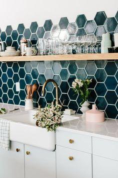 Home Decoration For Wedding pretty teal tile in the kitchen.Home Decoration For Wedding pretty teal tile in the kitchen Deco Design, Küchen Design, House Design, Design Trends, Design Blogs, Design Styles, Design Color, Design Concepts, Modern Design