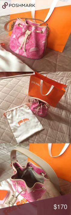 "NEW!!! Folli Follie totes  👜 Very cute small handbag, one zip pocket Interior!!!👛 W 8""1/2, H 7""1/2. Folli Follie Bags Totes"