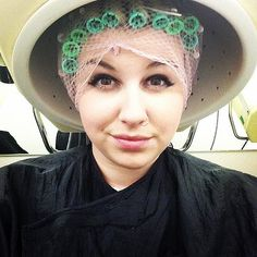 Bored in college … Salon Dryers, Vintage Hair Salons, Wet Set, Perm Rods, Bobe, Hair Setting, Roller Set, Thats The Way, Curlers