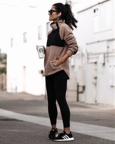 Black Sneakers Outfit, Sneaker Outfits Women, Winter Sneakers, Sneakers Fashion, Athleisure Outfits, Athleisure Fashion, Fall Fashion Outfits, Winter Fashion Outfits, Lazy Fall Outfits