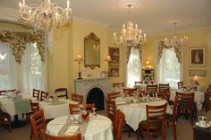Teaberry's Tea Room is located in downtown Flemington, New Jersey and offers lunch, afternoon tea and tea parties for bridal showers and birthdays.