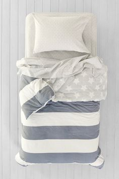 4040 Locust American Flag Twin XL Bed-In-A-Bag Snooze Set - Urban Outfitters