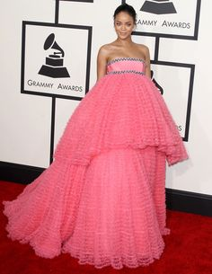 Rihanna Wearing Giambattista Valli Couture at 2015 Grammy Awards in Los Angeles