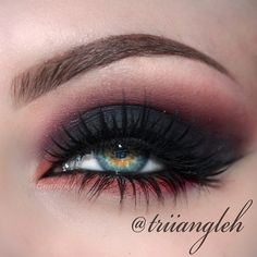 Edgy smokey eye look.this red will look good with green eyes Glam Makeup, Pretty Makeup, Love Makeup, Skin Makeup, Makeup Art, Beauty Makeup, Makeup Contouring, Makeup Goals, Makeup Tips