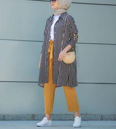 Plaid and Stripped Dress Inspiration for Hijabies – Girls Hijab Style & Hijab . Plaid and Stripped Dress Inspiration for Hijabies – Girls Hijab Styl Modern Hijab Fashion, Street Hijab Fashion, Hijab Fashion Inspiration, Muslim Fashion, Modest Fashion, Fashion Ideas, Hijab Fashion Summer, Fashion Muslimah, Abaya Fashion