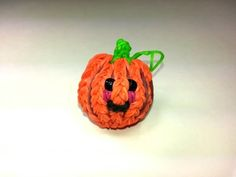 Rainbow Loom - 3D Happy PUMPKIN Charm. Designed and loomed by Ellen Carpenter at feelinspiffy. Click photo for YouTube Tutorial. 09/17/14.