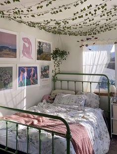 Indie Room Decor, Cute Bedroom Decor, Room Design Bedroom, Room Ideas Bedroom, Study Room Decor, Bedroom Inspo, Room Ideias, Pastel Room, Pretty Room