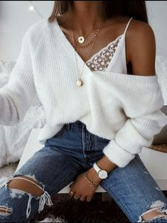 Mode, Mädchen und Stil Bild - Outfit ideen - 24 Dec 2019 Summer 2018 has officially begun and these trendy summer outfits are giving us vibes. From beach casual dresses to high waisted trouser pants, I've got it. Look Fashion, Girl Fashion, Womens Fashion, Fashion Trends, Fashion Bloggers, Street Fashion, Fashion Fall, Trendy Fashion, 90s Fashion