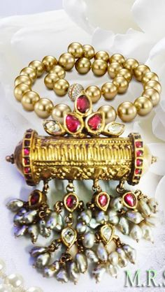 Royal Jewelry, India Jewelry, Beaded Jewelry, Pearl Jewelry, Bead Jewellery, Jewellery Designs, Hyderabadi Jewelry, Pearl Necklace Designs, Gold Jewelry Simple