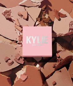 Makeup News: Kylie Cosmetics Reveals New Bronzers For Re-Brand Launch Kylie Cosmetics by Kylie Jenner has announced another makeup product that will be launching with the re-brand launch later this month. Kylie Cosmetics has undergone a change, re-designing packaging and re-creating new clean formulas for products. The re-brand features new lip kits, blushes, bronzers, eyeliners, glosses and more. One of the products in the re-design are the new Kylie Cosmetics Pressed Bronzing Powders... Bronzer Makeup, Makeup News, Velvet Matte, Lip Kit, Beauty News, Beauty Industry, Lip Liner, Beauty Routines, Liquid Lipstick