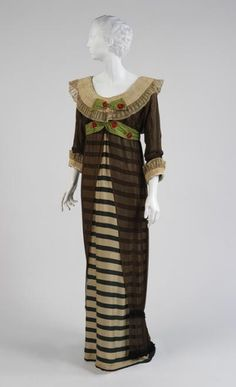 Evening dress, 1910 Paul Poiret (French, Green and ivory striped silk, black silk chiffon, white linen Brooklyn Museum Costume Collection at The Metropolitan Museum of Art Edwardian Clothing, Edwardian Dress, Edwardian Fashion, Historical Clothing, Vintage Fashion, Modern Clothing, Edwardian Era, Vintage Clothing, Victorian