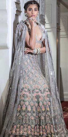Like It 👍 or Love It 😘 Pooja Hegde looks Super gorgeous Fashion Models, Fashion Beauty, Fashion Trends, Wedding Outfits For Women, Indian Bridesmaids, Indian Bridal Lehenga, Manish Malhotra, Engagement Outfits, Bollywood Celebrities