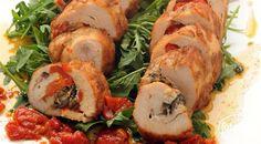لفائف الدجاج مع الفلفل الأحمر المشوي