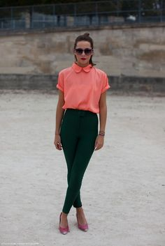 Very smart,casual, I like it! Love the Peach colour of the top. Slim pants, great with a pair of flat shoes.