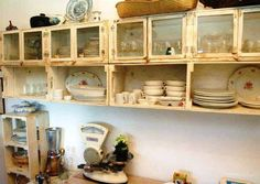 Over 55 Upcycling Ideas For Furniture From Wine Crates Crate Furniture, Recycled Furniture, Bathroom Furniture, Shabby Chic Kitchen, Diy Kitchen, Kitchen Decor, Wooden Crates, Wood Pallets, Pallet Shelves