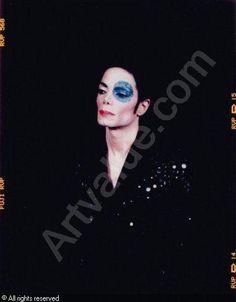"Arno Bani, Michael Jackson ""a l'oil bleu"", photoshoot 1999 Buy this great book of Arno Bani: http://www.kulturpurshop.de/de/michael-jackson-von-arno-bani.html"