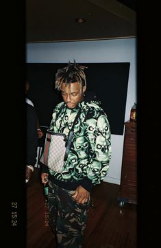 Listen to every Juice WRLD track @ Iomoio Just Juice, Juice 3, Lowkey Rapper, Juice Quotes, Juice Rapper, Rap Wallpaper, Purple Wallpaper, Galaxy Wallpaper, Bae