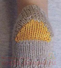как вязать пятку носка Crochet Slipper Pattern, Crochet Slippers, Knit Crochet, Crochet Hats, Baby Knitting, Knitted Hats, Socks, My Favorite Things, Heel