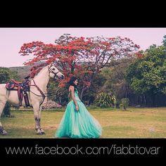 Instagram media by fabbfotomaker - Contrata ya!!! #picoftheday #ring #bride #wedding #fifteen #bodas #xvaños #sesion #underwater #agua #chiapas #sonysta #fabbfotomaker #fotografo #blue #azul #photography #quinceañera #party #sony #fotos #people #quinceañeras #anillos  www.fotomaker.tk www.facebook.com/fabbtovar