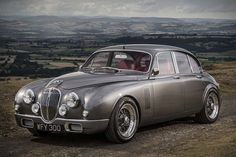 This Redesigned Jaguar Mark 2 Masterfully Blends 60s Style With 21st Century Performance