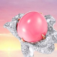 In love with Conch Pearl, a 17.16 carats in our Eden Paradise Ring #pink #conchpearl #pearl #diamond #magnificentjewels #hautecouture #annahuhautejoaillerie